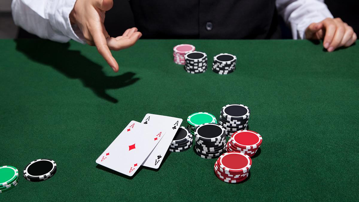 Picking An Online Poker Site Gambling