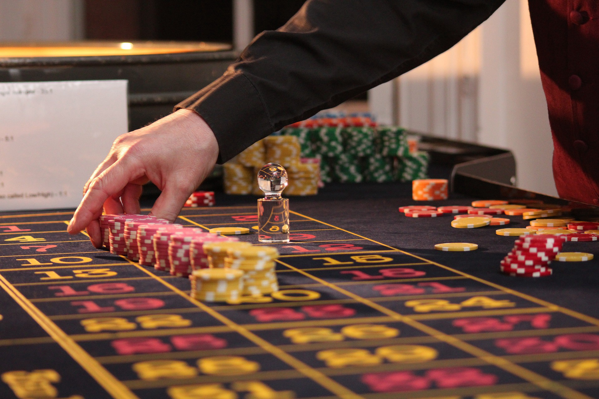 Is Online Poker Spoiling Today's Young People?